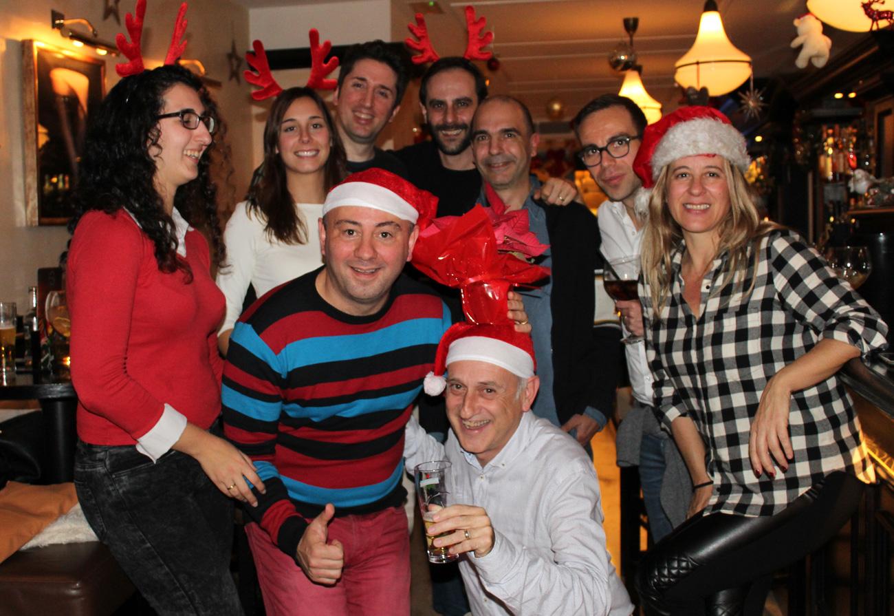lennox-the-pub-barcelona-palma-spain-christmas-snacks-sports-bar-born-celebration