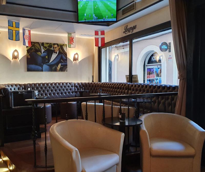lennox-the-pub-palma-de-mallorca-barcelona-spain-lounge-lonja-centric-tapas-live-sports